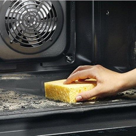 Najúčinnejšie látky na čistenie zapečenej trúby